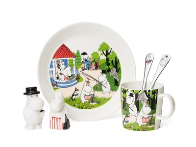 "Moomin plate summer 2018 ""Going on vacation"""